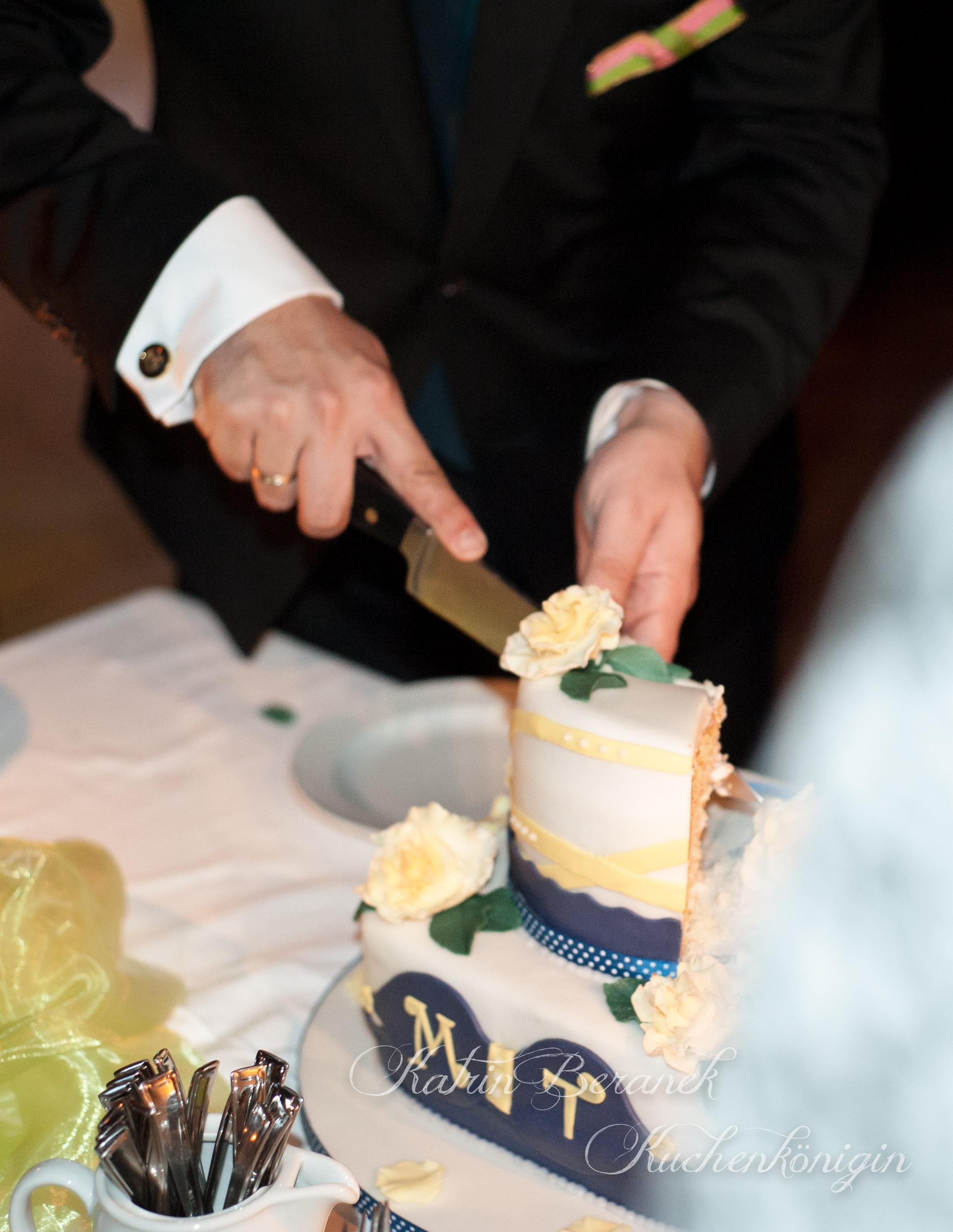 Kuchenkönigin Hochzeitstorte Bräutigam