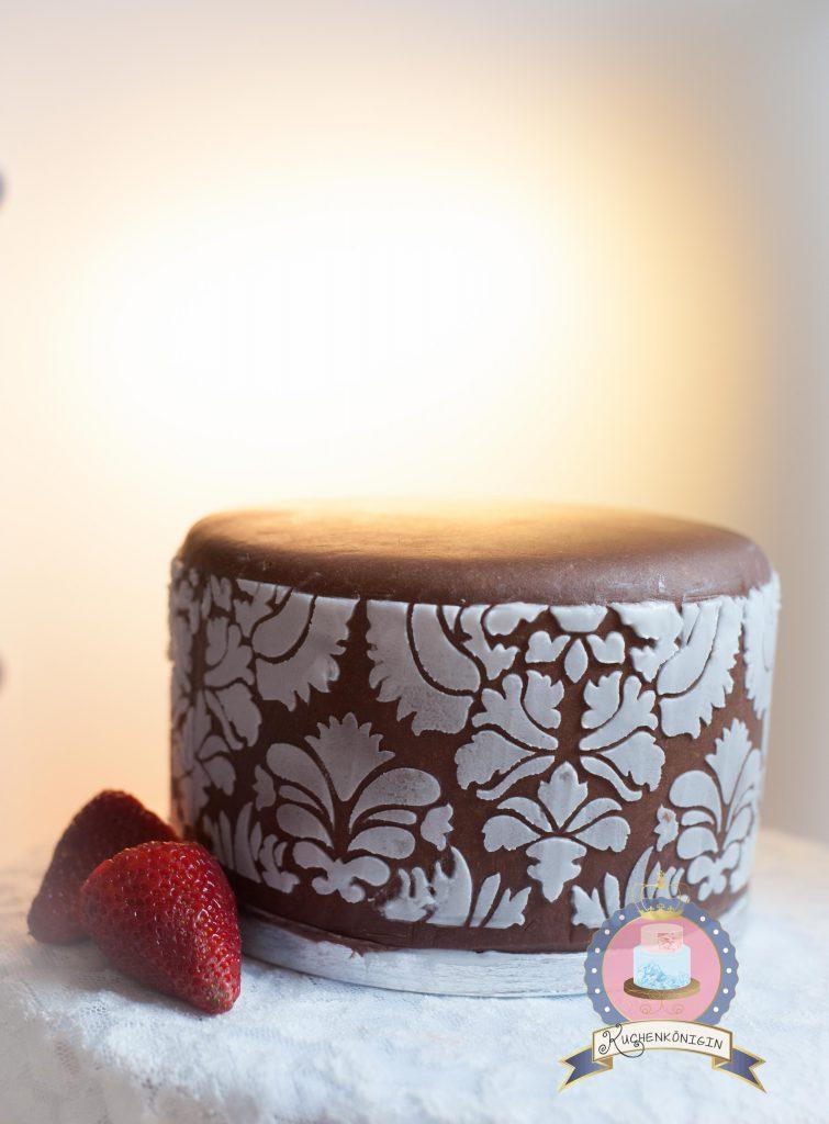 Kuchenkönigin Tutorial Cake Stencil Techniken Anleitung Tutorial Motivtorten Hochzeit Spitze Motivtorte