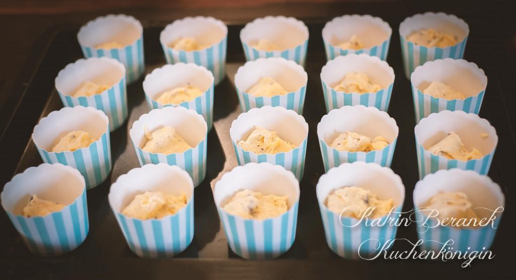 Kuchenkönigin Rezept Cupcake Cupcakes Tutorials Dekoration Anleitung Backen Kuchen Torte Hochzeit Geburtstag Karotte Walnuss Frischkäse Orange