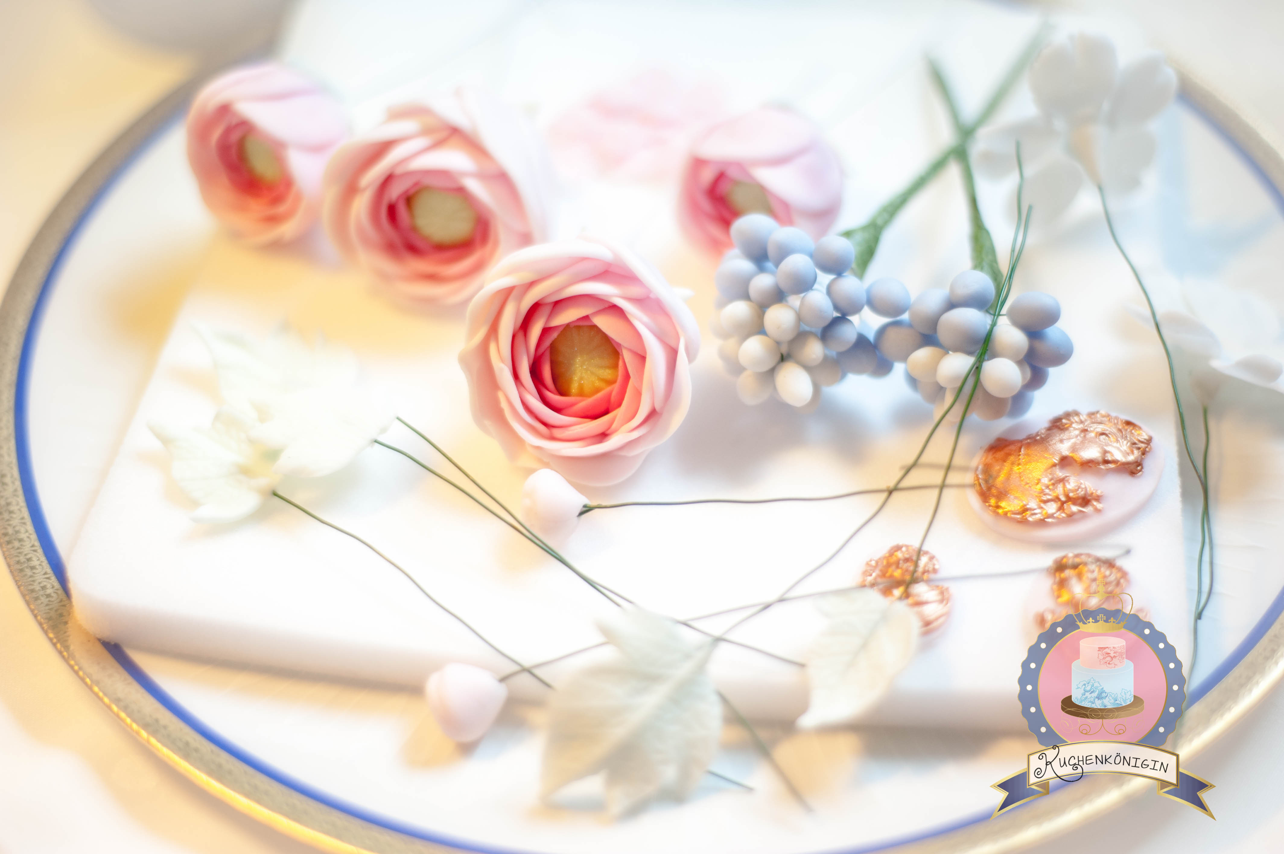Kuchenkönigin Tutorial Vintage Frühlings Blüten Bouquet Zuckerblumen Zuckerblüten Fondant Gumpaste Blütenpaste Tutorial Rezept