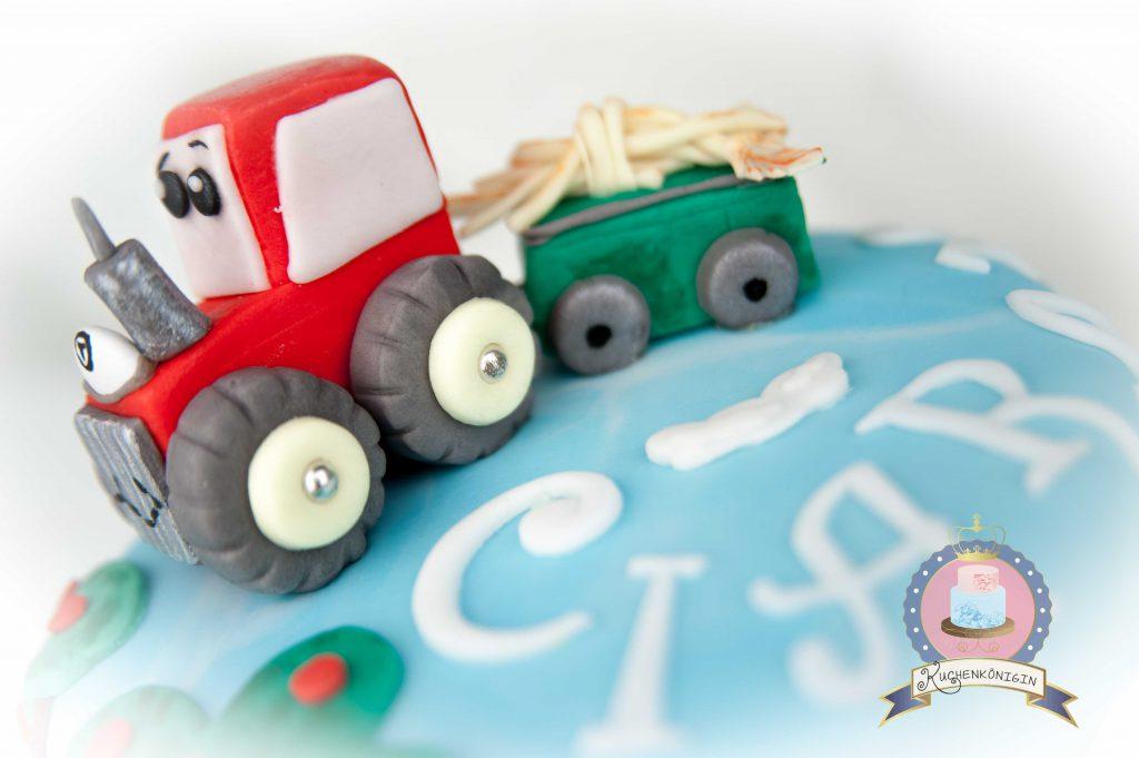 Kuchenkönigin Bauernhof Traktor Torte Motivtorte Rot Fondant Tiere Gumpaste Sugarpaste Cake Torte Birthday Kinder Junge Boy Geburtstag Farm Animals